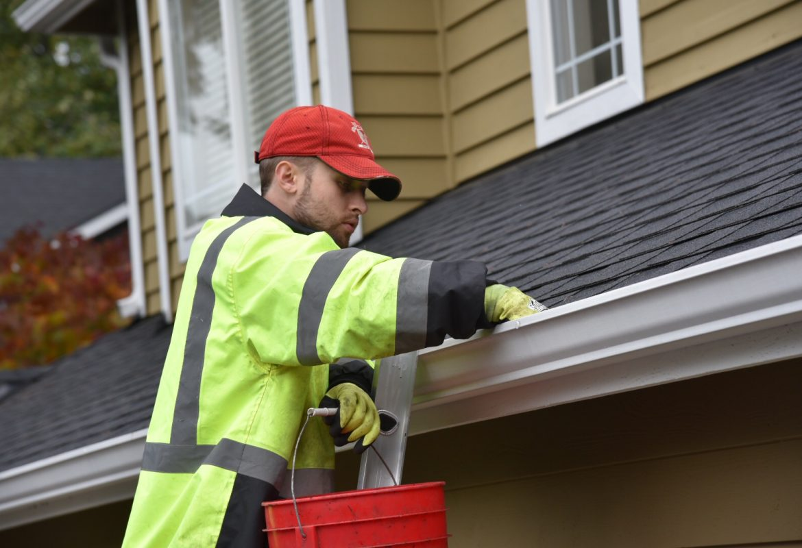 gutter cleaning in colchester